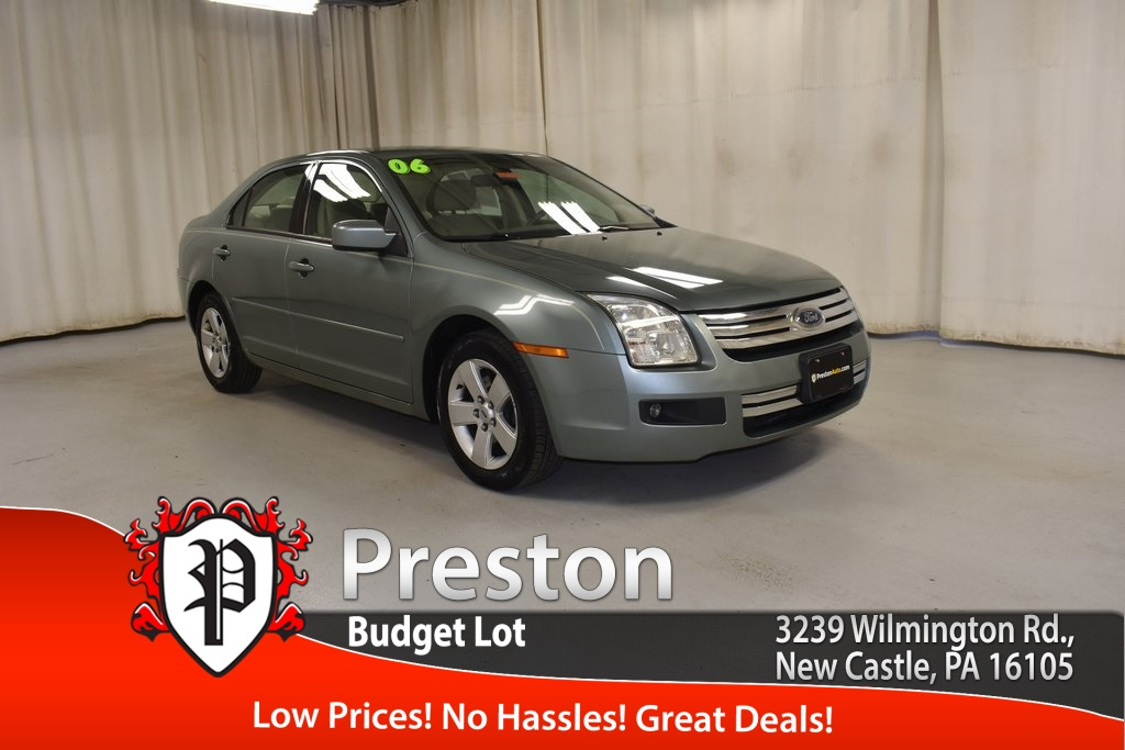 Pre-Owned 2006 Ford Fusion SE